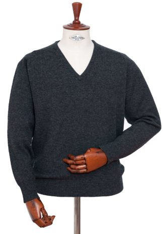 William Lockie V-Kragen Pullover anthrazit